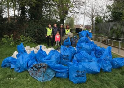 2019-Photo-ClonmoreParkCleanup-GroupWithBags